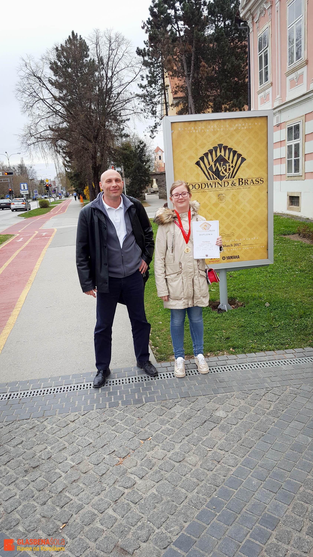 nika-kotnik-in-mentor-marko-prijatelj-varac5bedin-2017