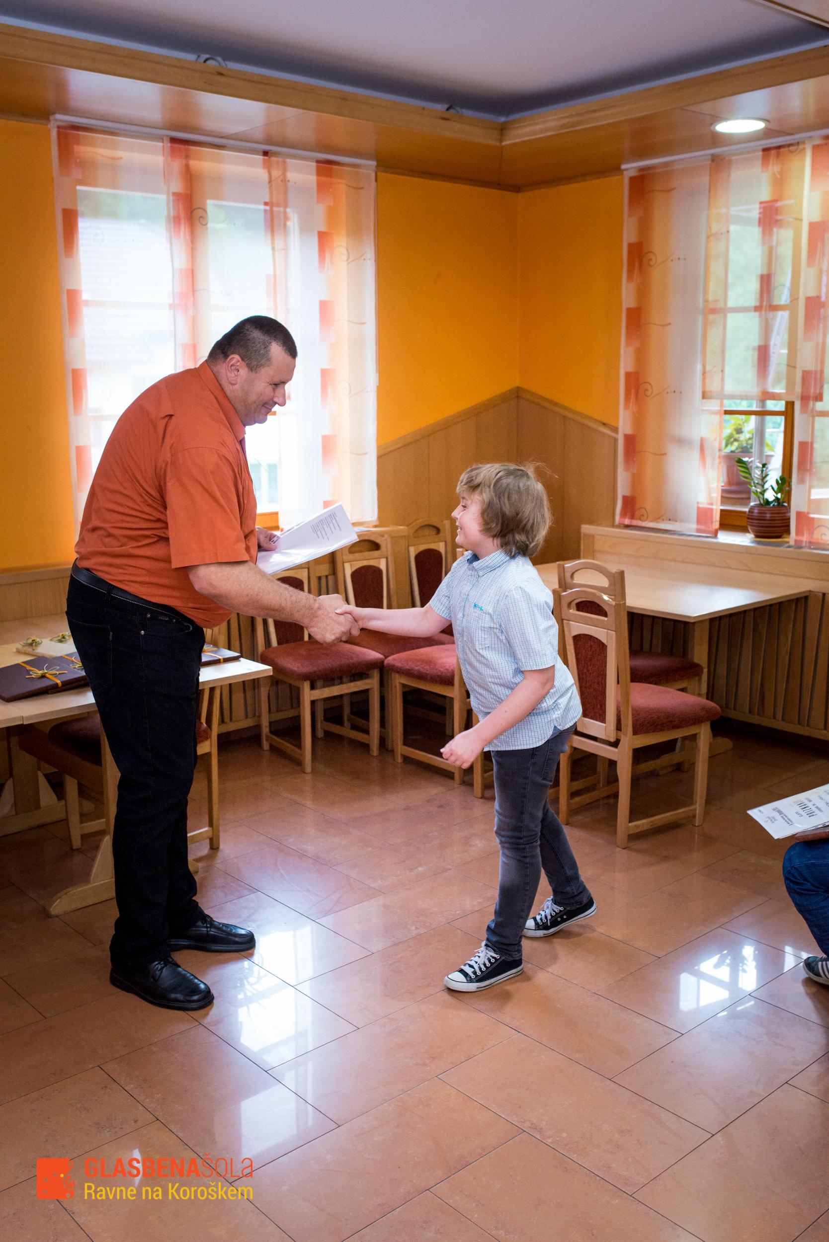podelitev-prizanj_062015-10