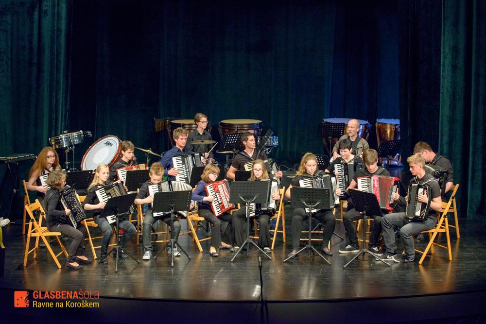 koncert-orkestrov-19-05-75